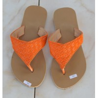 Sandal tikar orange