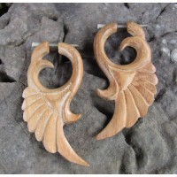 Anting kayu motif sayap angel